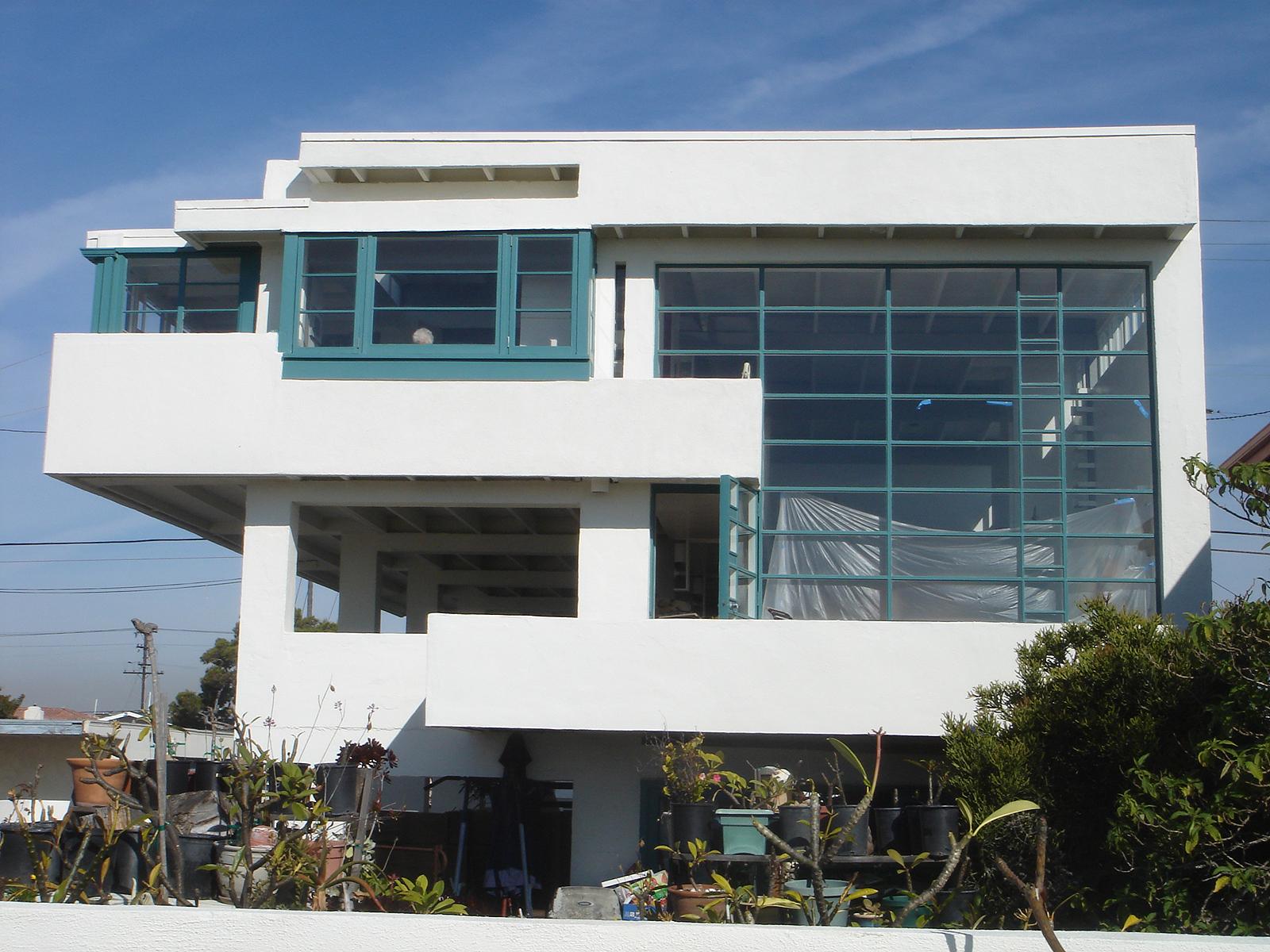 Lovell_Beach_House_03